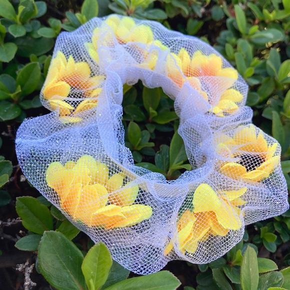 Sunflower Scrunchie